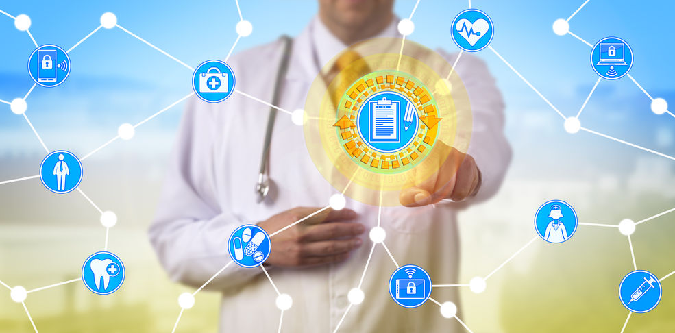 IoT und Smartsensorik - Arzt im Krankenhaus